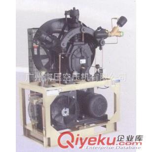 三缸活塞式空压机结构图