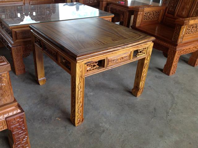 古典家具,安龙根雕 八仙桌 柘木 图片 贵州古典家具,安龙根雕 八仙