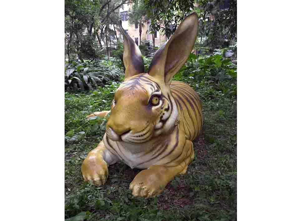陈克工作照-广州市一土雕塑工程有限公司的陈克工作