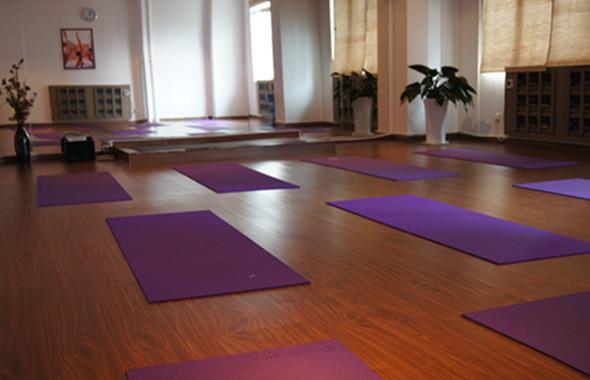 天瑜伽园东莞南城馆专业木地板课室图片|天瑜伽园