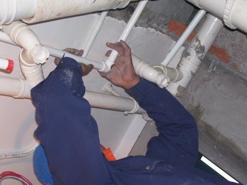 横栏换装水管,小榄换装水管