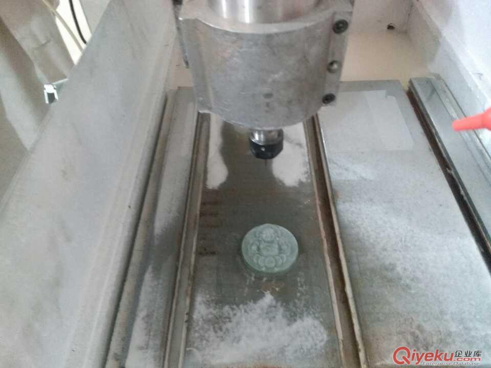 小型立式橄榄核木头玉石雕刻机设备