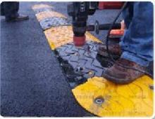 南宁道路铸钢减速带行情,橡胶减速带红昌报价