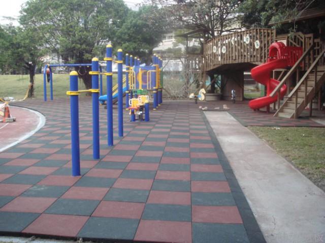 公园橡胶地垫