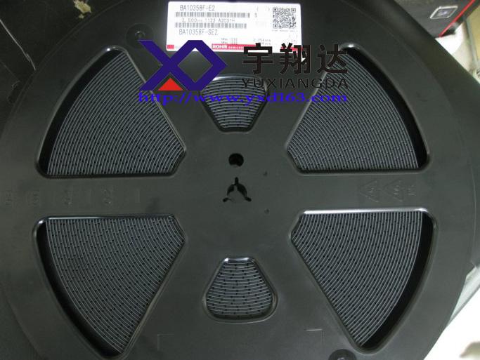 [产品名称]:BA10358F、BA10358F-E2 [产品厂家]:ROHM [产品批号]:13+ [产品封装]:SOP-8 [产品包装]:2500/盘 [产 地]:日本 特征 1)可以用一个单电源驱动。 2)极低的电流消耗。 3)水平与任何一种逻辑电路兼容。 4)工作电压范围为3~32V的单电源供应,1.516V的双电源。 5)高的直流电压增益。 6)宽的频率响应。 7)引脚分配为通用一样4558模型。 8)与358型运算放大器兼容其他制造商。 专业IC配套