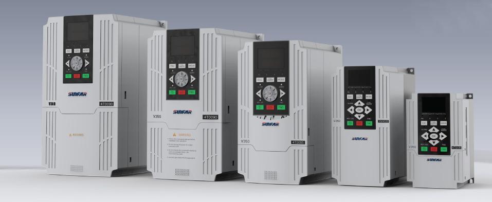 V350系列变频器基于全新的软件及硬件平台,为了更好的满足机床、收卷、多点传动、印刷、化纤、纺织设备等应用场合的市场需求而研制。是一款性能优越、结构紧凑、保护功能齐全,同时具有丰富灵活的外围接口的高性能小功率闭环矢量变频器。内部集成闭环矢量、开环矢量、V/F控制方式,软硬件模块化设计。可针对不同行业及现场需求进行灵活的二次开发。 特点 -低频转矩大。闭环矢量零速可达到200%的启动力矩,开环矢量零速可达到180%的启动力矩 -标配5位双行LED操作面板显示,可选配LCD操作面板 -直观的实时监控:能够实时