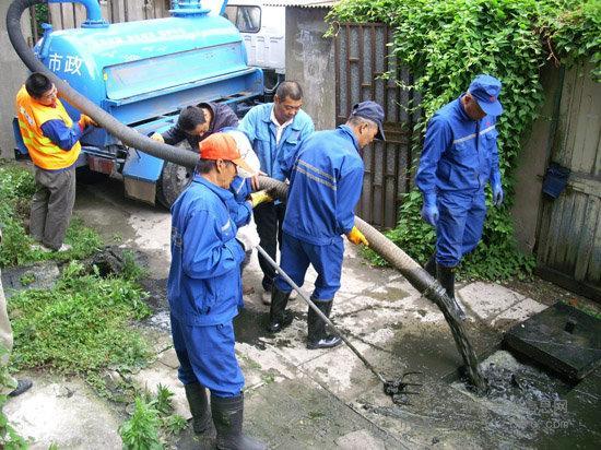 高压车疏通下水道,小榄清洁公司