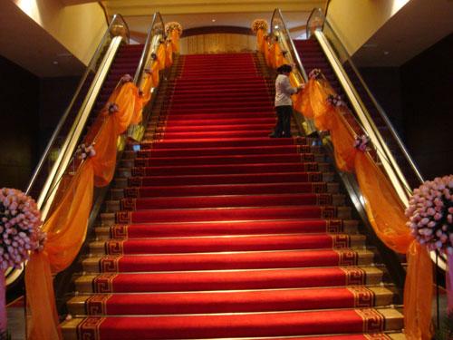 楼梯纱幔花球步骤制作图解