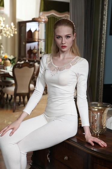 发热内衣定制 展现女性的妩媚身材