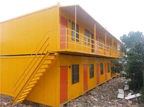 可单个集装箱式活动板房使用或多个集装箱式活动板房前后上下组合(可
