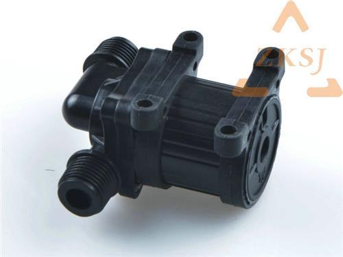 电机的定子和电路板部分采用环氧树脂灌封并